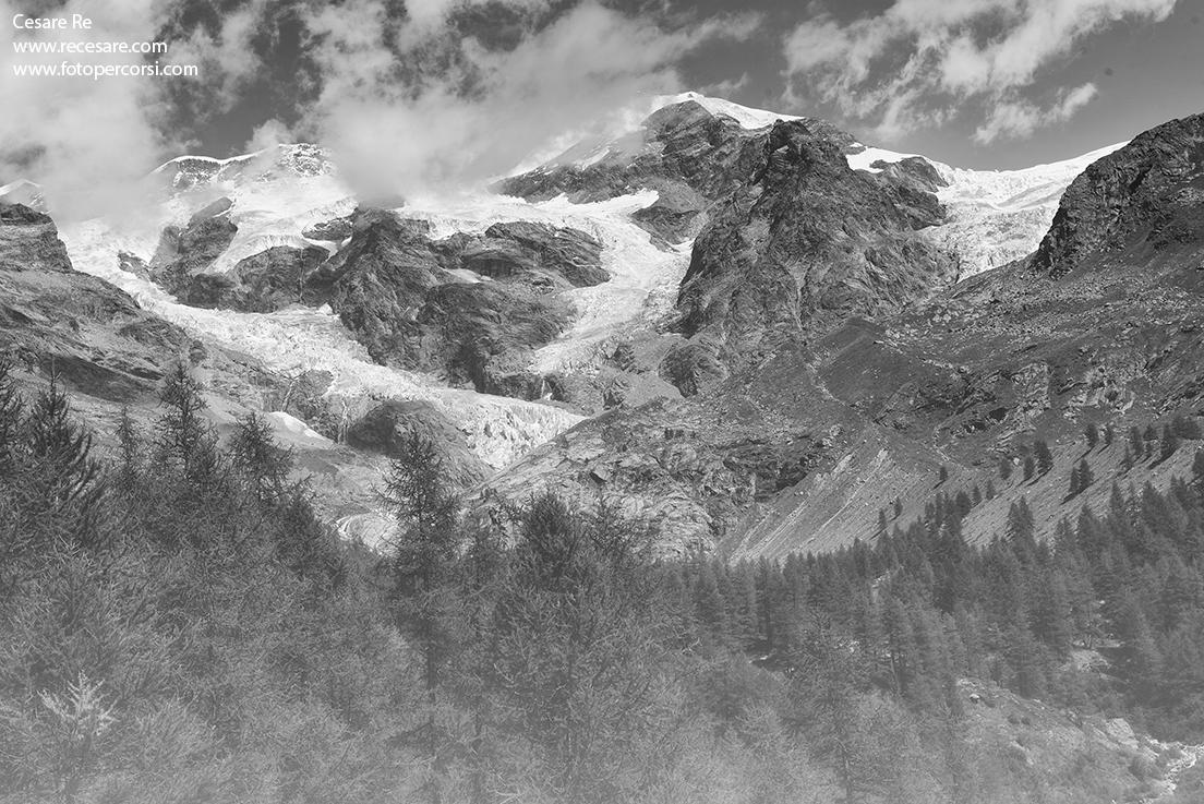 Monte-Rosa- fotografato-in-bianco-e-nero