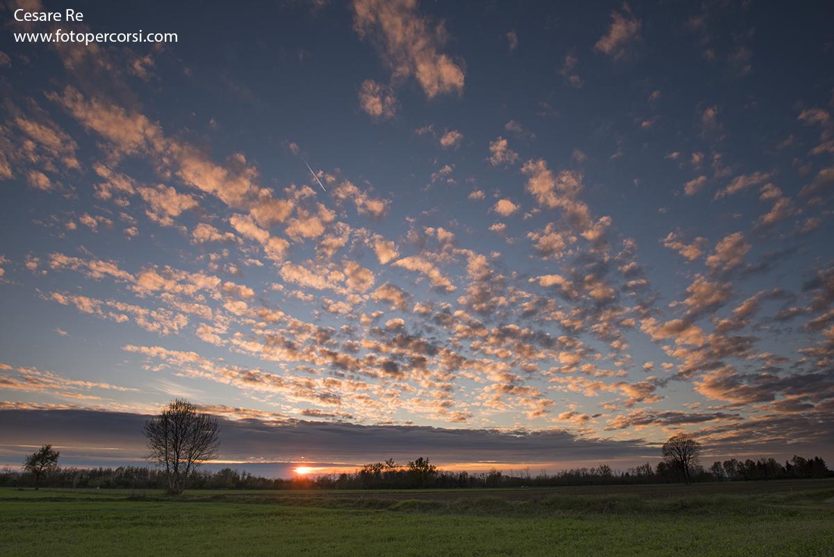 Cielo nuvoloso al tramonto, con filtri GND